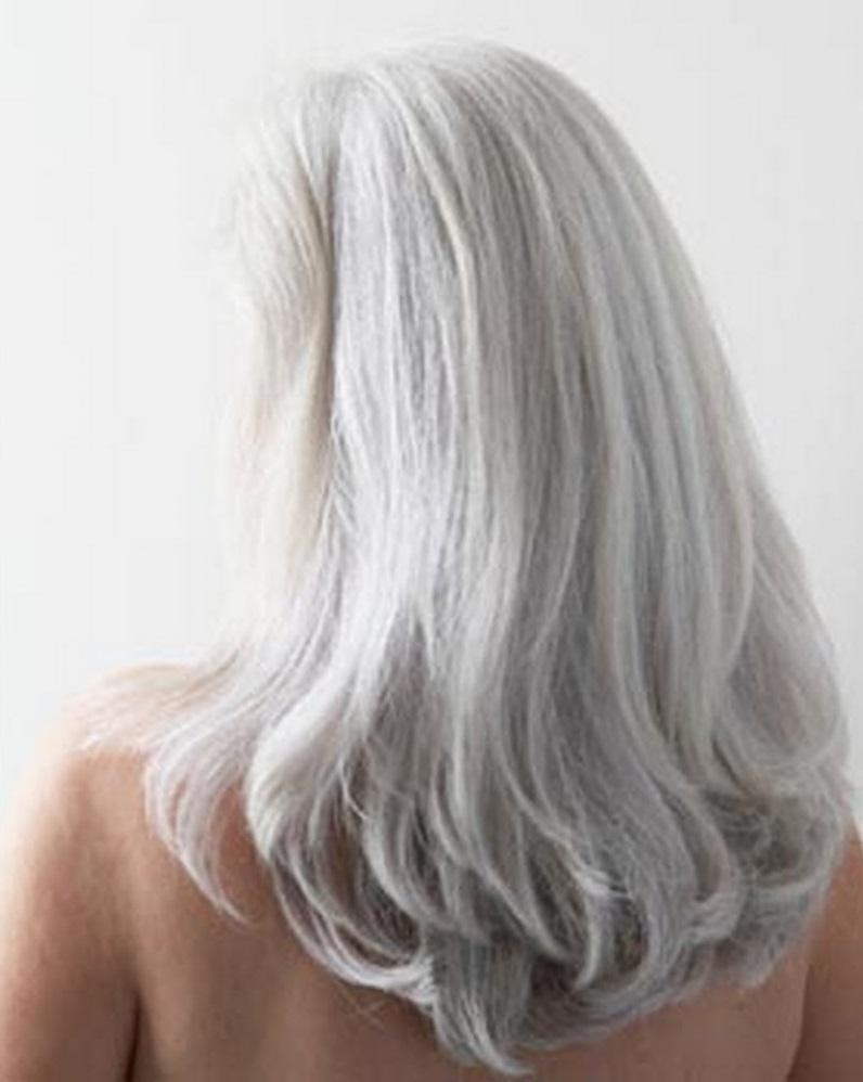 Chute de cheveux et cheveux blancs